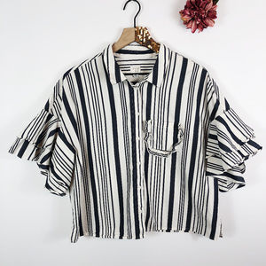 [A NEW DAY] Striped Butterfly Sleeve Cropped Top